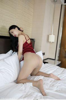 性感女秘书俞夕梦 丝袜内衣美腿翘臀图片