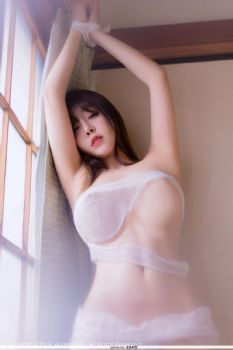 性感女神王雨纯 一缕薄纱透视装