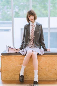 『雨の季?』@依川川_ JK制服