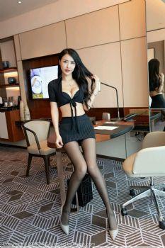 美腿女神俞公主 冷酷职场黑丝美腿图片