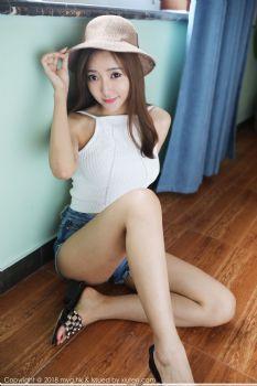 宅男女神王馨瑶yanni 阳光甜美草帽少女图片