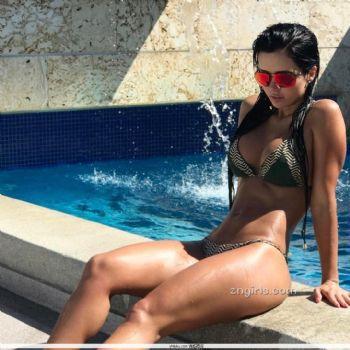 Ariana James- 健身正妹「紧实线条」太性感图片