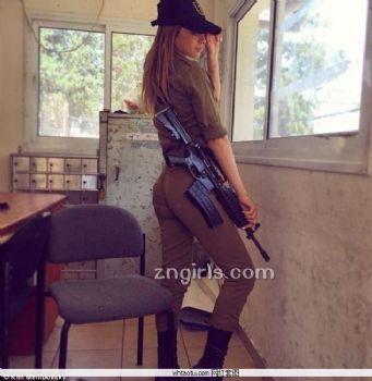 Kim Mellibovsky- 猛虎出闸!以色列「性感女兵」退役图片