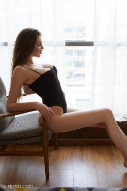 Lra《乌克兰的巨乳内衣模特》 [蜜桃社MiiTao] VOL.055